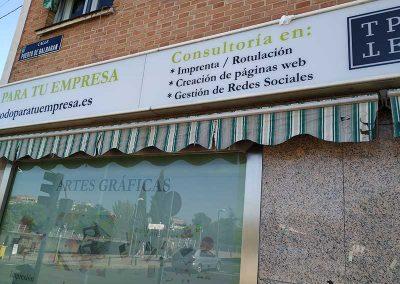 cartel-para-fachada-madrid
